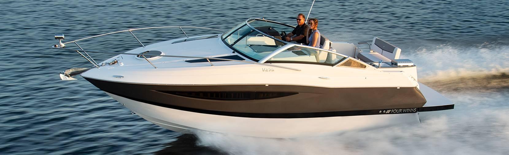 Four Winns Vista 275 boat